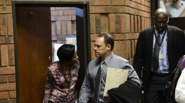 刀鋒跑者案警探 被控意圖謀殺