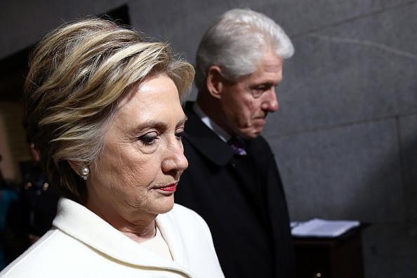 克林頓怒撕希拉里手稿 :「這些品質很不堪」!
