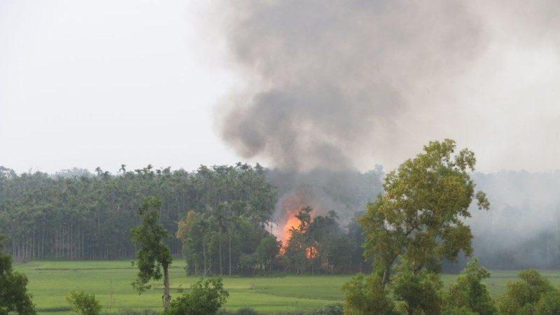 """缅甸军首承认杀10名洛兴雅人 国际组织:""""仅冰山一角"""""""