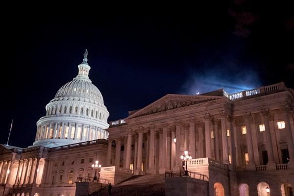 川普兑现承诺 预算案获胜 两党支持