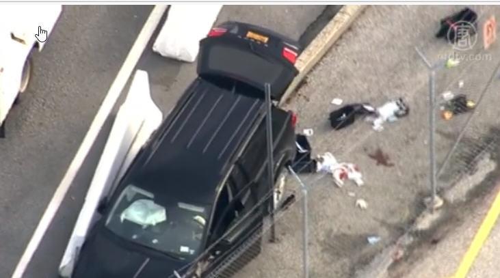 美国安局门外爆枪击事件 可疑汽车撞坏 3捕1伤