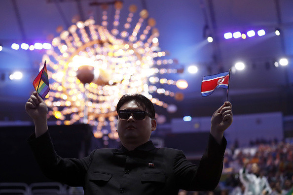 冬奥会山寨金正恩闯入朝鲜啦啦队 场面大乱