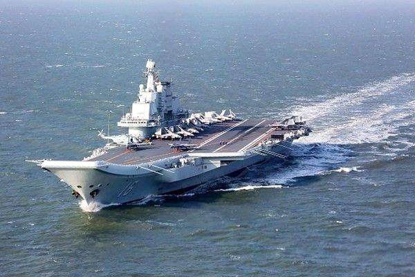 辽宁舰战力曝光 港媒:不及美两栖攻击舰
