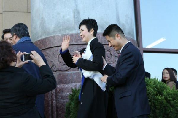 李小琳提前退休  赋闲又获新职务