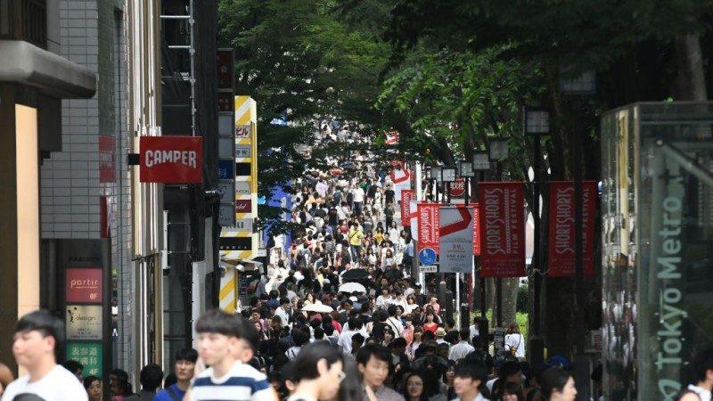 142年来首修法 日本18岁以上为成人
