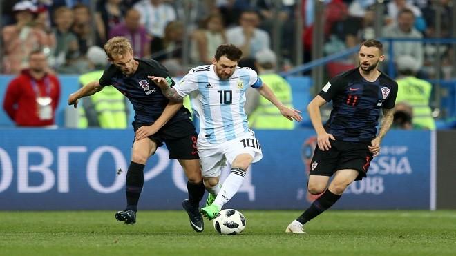 世界杯爆大冷 阿根廷0比3惨败晋级渺茫
