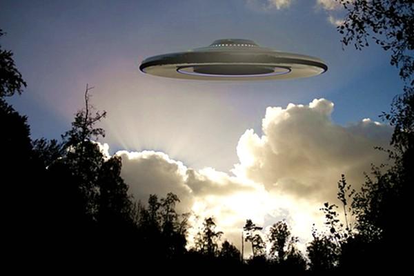 专家揭秘美国奇案:2名回不去的外星人(视频)