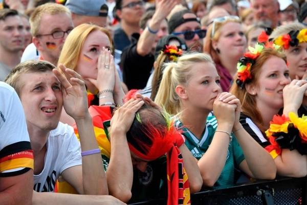 德国队卫冕梦碎 球迷伤透心 经济透心凉