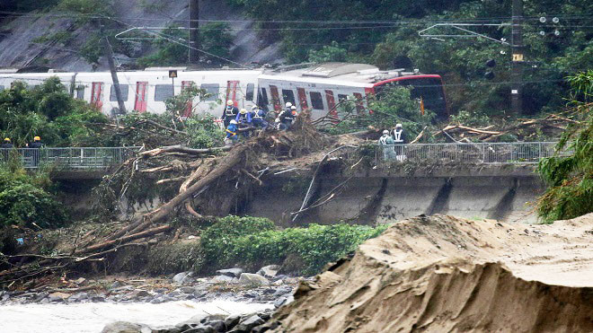日本暴雨成灾 河川泛滥土石崩落酿35死47人失踪