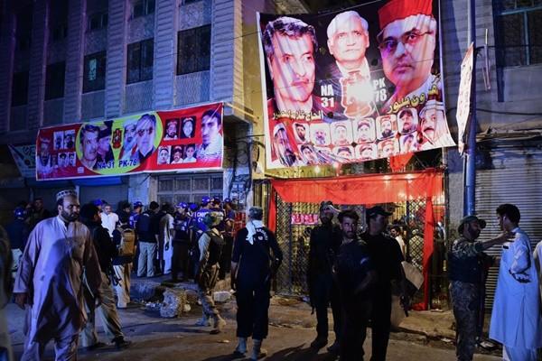 锁定候选人 巴基斯坦造势活动遇袭13死54人伤