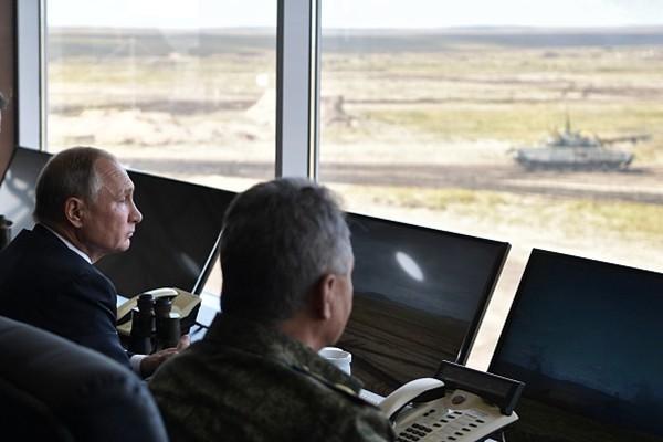 怕被普京拉下水?专家揭习近平不看俄中军演内幕