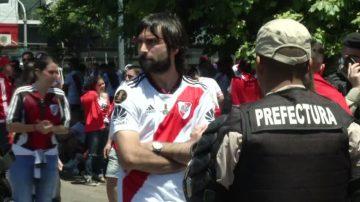阿根廷足球迷骚乱 南美自由杯再度延期