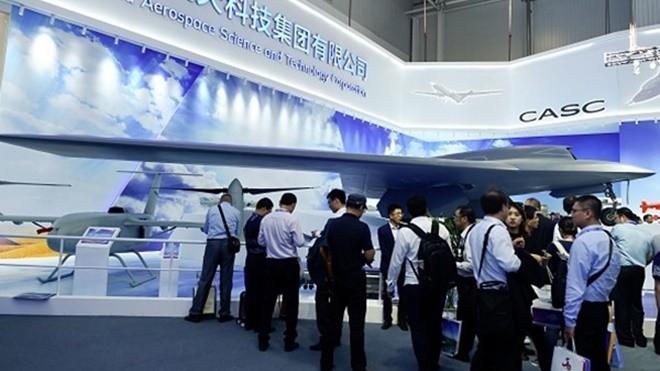 珠海航展爆丑闻 中共最新式客机被指抄袭(组图)