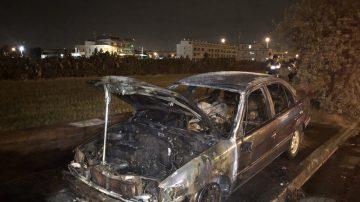 中市惊现火烧车 车内发现1男1女焦尸