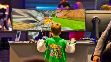滑手機玩電遊成癮 兒童大腦皮層出現變薄跡象