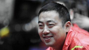 """刘国梁""""反败为胜"""" 当选新一届乒协主席"""