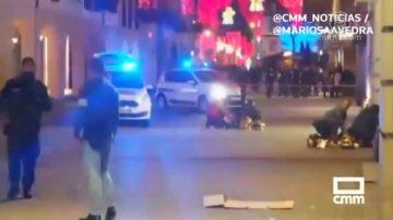 法国圣诞集市枪案属恐怖行为 嫌犯在逃