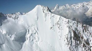 顶尖高手对决 瑞士陡坡滑雪惊险30秒