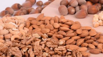 過年零食哪種最好?教你這樣吃堅果 身體健康無負擔(視頻)