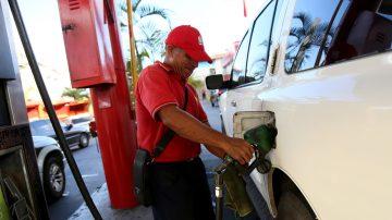 财经速瞄:OPEC减产油价升 李嘉诚蝉联香港首富