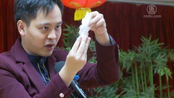 魔术表演为鹤园老人中心带来欢乐