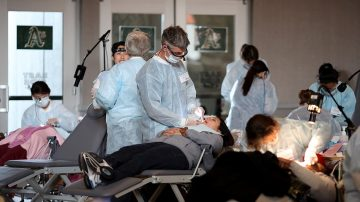 报告:解决医护短缺问题 加州需30亿美元