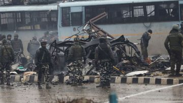 克什米爾自殺炸彈襲擊 44印度後備警喪生