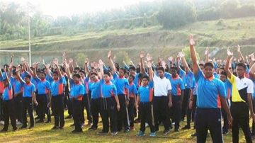 馬來西亞八百名學生學煉法輪功